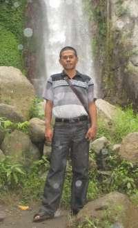 s togi  image
